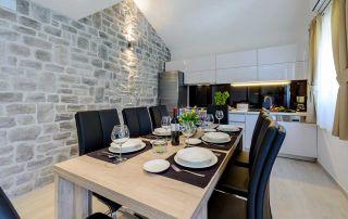 dekorativni kamen u kuhinji